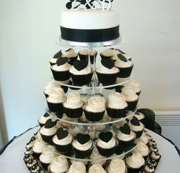 1024x1365px Black And White Wedding Theme Picture in Wedding Cake