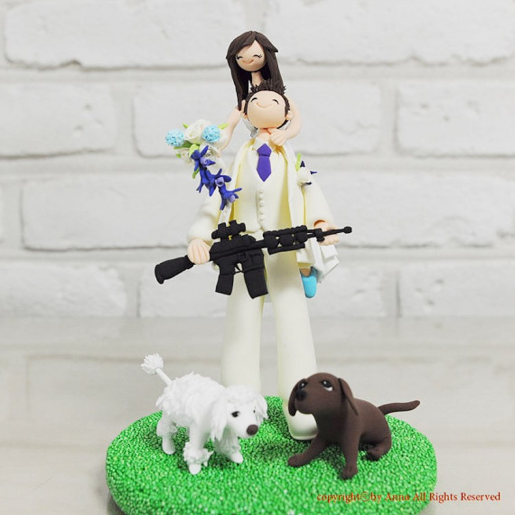 Hunting War Gaming Mania Wedding Cake Topper Picture in Wedding Cake