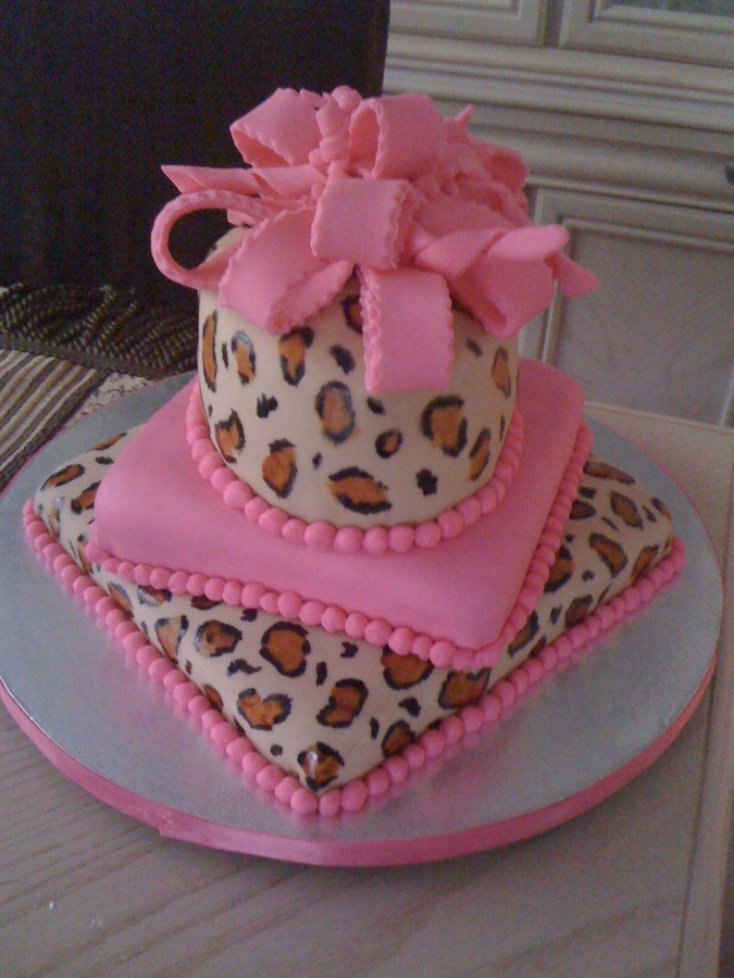 Cheetah Cake Picture in Cake Decor